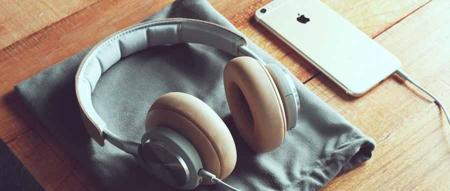 长时间戴耳机对耳朵有什么影响