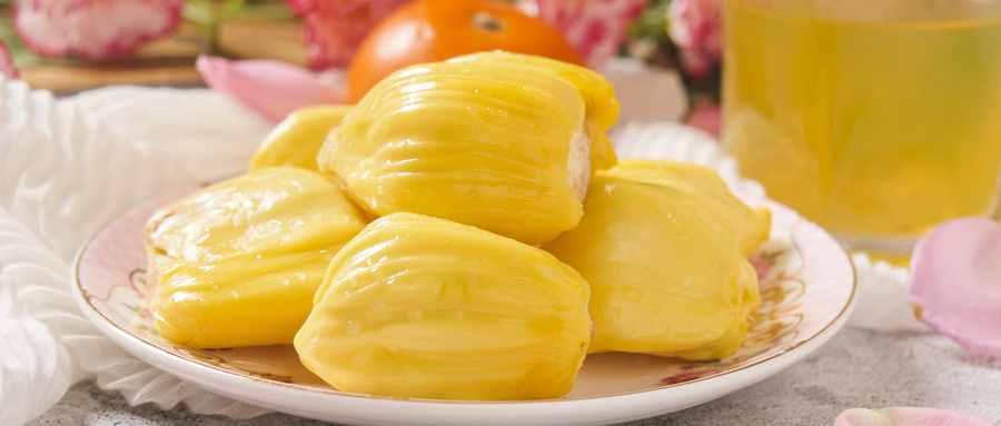 菠萝蜜是长在菠萝藤上吗
